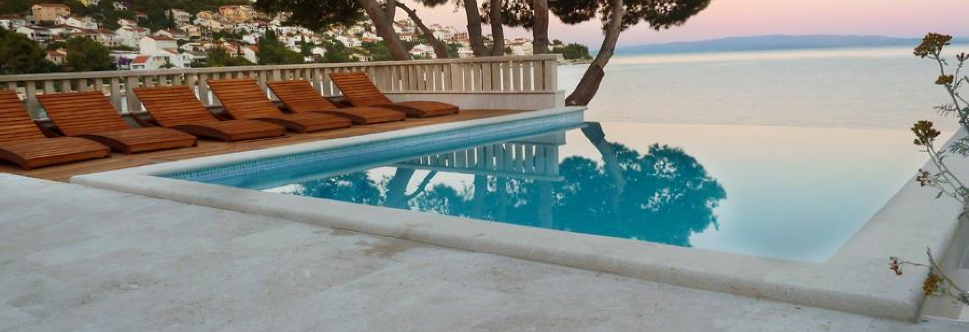 7 Bedrooms, House, Beachfront vacation rental, Pod Luku, 5 Bathrooms, Listing ID 1013