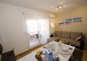 1 Bedrooms, Apartment, Beachfront vacation rental, Kralja Tomislava , Second Floor, 1 Bathrooms, Listing ID 1045, Trogir, Croatia, 21220,