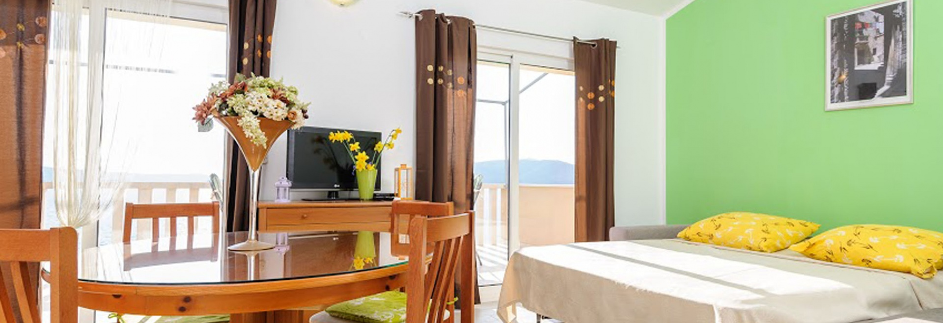 1 Bedrooms, Apartment, Beachfront vacation rental, 1 Bedrooms With 1 Bathrooms, Okrug Donji, Split, Trogir, Island of Ciovo, Dalmatia , Listing ID 1049